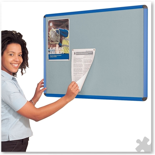 45 x 60cm Shield Design Noticeboard